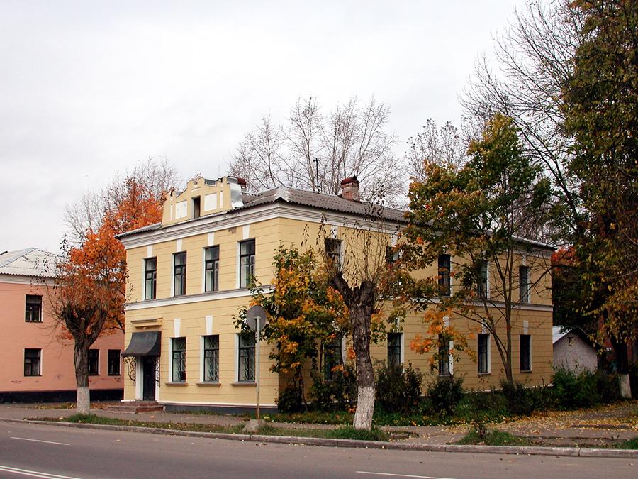Гостные дворы. Дом полкового командира (Кингисепп)